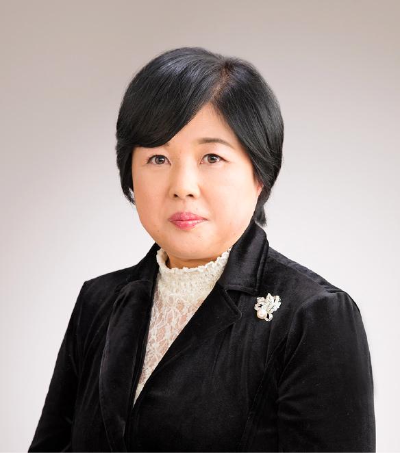 看護学部長 小川久貴子